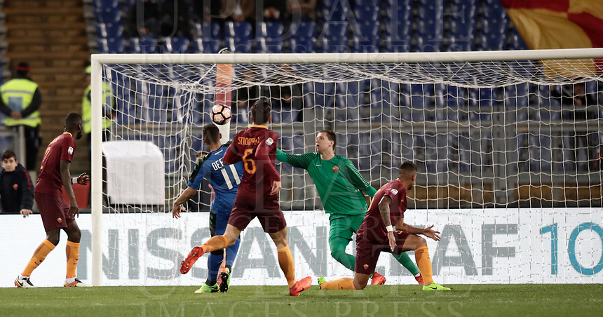 Calcio, Serie A: Roma, stadio Olimpico, 19 marzo, 2017<br /> Sassuolo's Grégoire Defrel scores during the Italian Serie A football match between Roma and Sassuolo at Rome's Olympic stadium, March 19, 2017<br /> UPDATE IMAGES PRESS/Isabella Bonotto