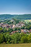 Deutschland, Bayern, Mittelfranken, Naturpark Altmuehltal, Pappenheim: Stadtansicht mit Burg Pappenheim   Germany, Bavaria, Middle Franconia, Nature Park Altmuehl Valley, Pappenheim: town view with Pappenheim Castle