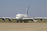 - Airbus A 380 airliner....- aereo di linea  Airbus A 380