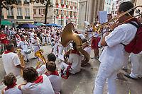 Europe/France/Aquitaine/64/Pyrénées-Atlantiques/Pays-Basque/Bayonne: Musiciens lors des Fêtes de Bayonne