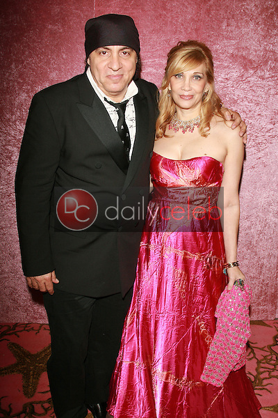 Steve Van Zandt and Maureen Van Zandt<br />at the 2006 HBO Emmy After Party. Pacific Design Center, West Hollywood, CA. 08-27-06<br />Dave Edwards/DailyCeleb.com 818-249-4998