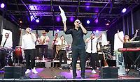 Trebur 08.08.2020: Treburer Kultursommer<br /> Music Monks treten auf mit den Hits von SEED und Peter Fox<br /> Foto: Vollformat/Marc Schüler, Schäfergasse 5, 65428 R'heim, Fon 0151/11654988, Bankverbindung KSKGG BLZ. 50852553 , KTO. 16003352. Alle Honorare zzgl. 7% MwSt.