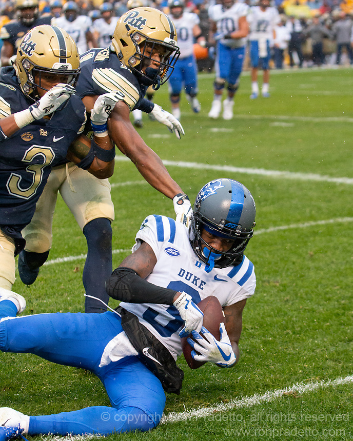Duke wide receiver TJ Rahming makes a 4-yard touchdown catch. The Pitt Panthers football team defeated the Duke Blue Devils 54-45 on November 10, 2018 at Heinz Field, Pittsburgh, Pennsylvania.