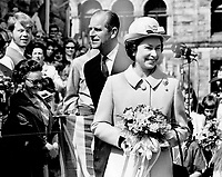 Queen Elizabeth II charmed B.C. Hosts; She wore a neatly-bowed little bowler hat to match coat
