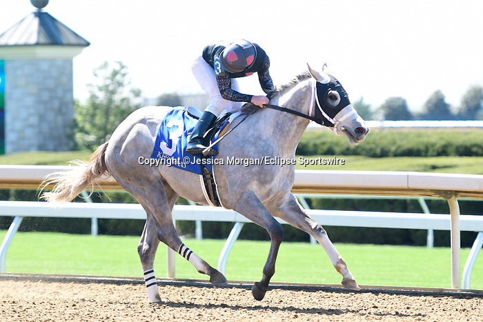 April 02, 2021: Bohemian Frost #3, ridden by James Graham wins the first race, a maiden special weight for two-year-old fillies on Keeneland Opening Day at Keeneland Race Course in Lexington, Kentucky on April 02, 2021. Jessica Morgan/Eclipse Sportswire/CSM