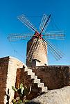 Spanien, Mallorca, Algaida: Windmuehle   Spain, Mallorca, Algaida: windmill