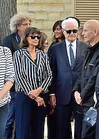 Lionel JOSPIN et sa compagne Sylviane AGACINSKI - Elie CHOURAQUI - Emmanuelle ALT - Obseques Sonia Rykiel - Cimetiere du Montparnasse - Paris - FRANCE