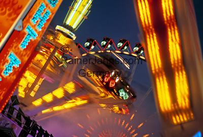 Deutschland, Bayern, Oberbayern, Muenchen: Oktoberfest - Karussell | Germany, Bavaria, Upper Bavaria, Munich: October Festival - Roundabout