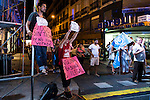 Protesters attends to the headquarter of Partido Popular during the Spanish Elections in Madrid. June 26, 2016. (ALTERPHOTOS/BorjaB.Hojas)