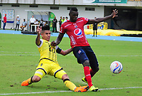 BARRANCABERMEJA - COLOMBIA, 15-04-2018:  Cesar Arias (Izq) jugador de Alianza Petrolera disputa el balón con Jesus David Murillo (Der) de Deportivo Independiente Medellín durante encuentro fecha 15 de la Liga Águila I 2018 disputado en el estadio Daniel Villa Zapata de la ciudad de Barrancabermeja. / Cesar Arias (L) player of Alianza Petrolera fights for the ball with Jesus David Murillo (R) player of Deportivo Independiente Medellin during match for the date 15 of the Aguila League I 2018 played at Daniel Villa Zapata stadium in Barrancebermeja city. Photo: VizzorImage / Jose Martinez / Cont