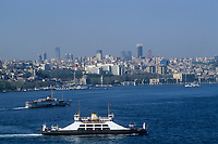 Europe/Turquie/Istanbul : Navigation sur le Bosphore //  Europe / Turkey / Istanbul: Sailing on the Bosphorus