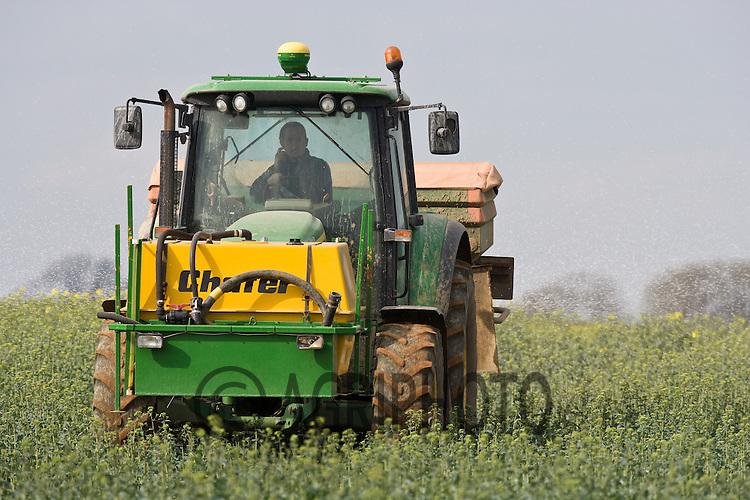 6.4.2011 Applying Nitrogen to oil seed rape.©Tim Scrivener 07850 303986.