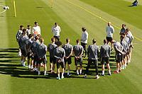 Bundestrainer Joachim Loew (Deutschland Germany) bespricht das Training mit der Mannschaft - Seefeld 28.05.2021: Trainingslager der Deutschen Nationalmannschaft zur EM-Vorbereitung