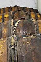 Europe/France/Aquitaine/64/Pyrénées-Atlantiques/Pays-Basque/Saint-Jean-Pied-de-Port: Les tonneaux ou murissent les Eaux de Vie Brana