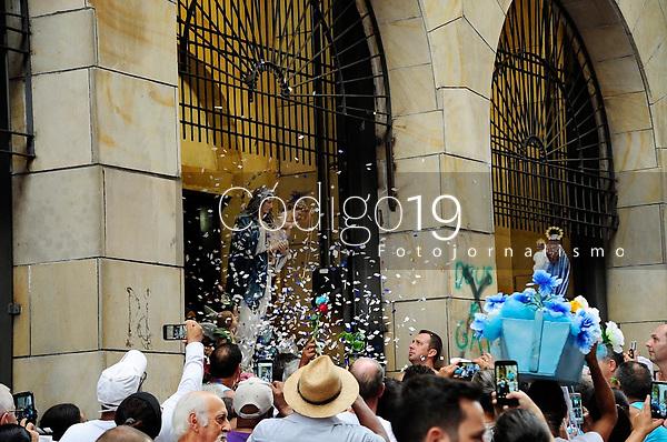 PORTO ALEGRE, RS, 02.02.2019 - 144. FESTA DE NOSSA SENHORA DOS NAVEGANTES - O evento teve início às 7 horas, na Igreja Nossa Senhora do Rosário, com uma missa e após iniciaram uma caminhada pelo centro da cidade  até a Igreja Nossa Senhora dos Navegantes, em Porto Alegre, neste sábado, dia (02). (Foto: Donaldo Hadlich/Codigo19)