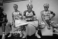 2013 Giro d'Italia.stage 10..relaxing before the start with a Gazetta.
