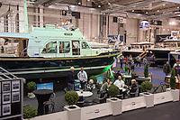 """55. Internationale Bootsmesse """"hanseboot"""" vom 25. Oktober bis 2. November 2014 zeigt alles rund um den Bootssport. Von Luxusyachten bis zum Kanu oder den einfachen Ruderboot und dem entsprechenden Zubehoer.<br /> Im Bild: Luxusmotoryacht """"Linssen 36"""" der Niederlaendischen Firma Linssen Yachts.<br /> 27.10.2014, Hamburg<br /> Copyright: Christian-Ditsch.de<br /> [Inhaltsveraendernde Manipulation des Fotos nur nach ausdruecklicher Genehmigung des Fotografen. Vereinbarungen ueber Abtretung von Persoenlichkeitsrechten/Model Release der abgebildeten Person/Personen liegen nicht vor. NO MODEL RELEASE! Don't publish without copyright Christian-Ditsch.de, Veroeffentlichung nur mit Fotografennennung, sowie gegen Honorar, MwSt. und Beleg. Konto: I N G - D i B a, IBAN DE58500105175400192269, BIC INGDDEFFXXX, Kontakt: post@christian-ditsch.de<br /> Urhebervermerk wird gemaess Paragraph 13 UHG verlangt.]"""