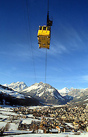 - Valtellina, panorama of Bormio with cableway....- Valtellina, panorama di Bormio con funivia..