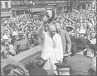 Winston Churchill in front of the City Hall of Quebec, august 1943