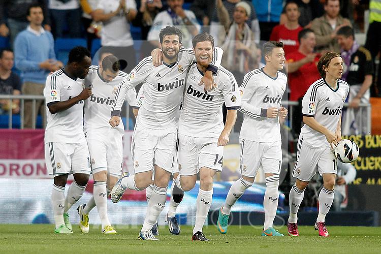 Real Madrid's Michael Essien, Karim Benzema, Raul Albiol, Xabi Alonso, Mesut Ozil and Luka Modric celebrate goal during La Liga match.May 08,2013. (ALTERPHOTOS/Acero)