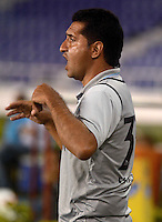 BARRANQUIILLA -COLOMBIA-11-03-2015. Carlos Castro técnico de Jaguares FC gesticula durante partido con Uniautonoma por la fecha 9 de la Liga Aguila I 2015 jugado en el estadio Metropolitano de la ciudad de Barranquilla./ Carlos Castro coach of Jaguares FC gestures during match against Uniautonoma for the 9th date of the Aguila League I 2015 played at Metropolitano stadium in Barranquilla city.  Photo: VizzorImage/Alfonso Cervantes/STR