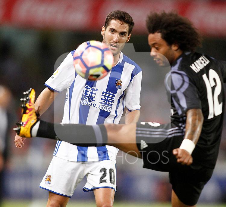 Real Sociedad's Joseba Zaldua (l) and Real Madrid's Marcelo Vieira during La Liga match. August 21,2016. (ALTERPHOTOS/Acero)
