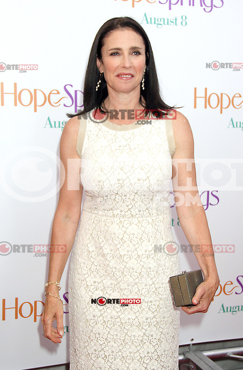 NEW YORK, NY - AUGUST 6, 2012: Mimi Rogers at the 'Hope Springs' premiere at the SVA Theater on August 6, 2012 in New York City. ©RW/MediaPunch Inc. /NortePhoto.com<br /> <br /> **CREDITO*OBLIGATORIO** *No*Venta*A*Terceros*<br /> *No*Sale*So*third* ***No*Se*Permite*Hacer Archivo***No*Sale*So*third*