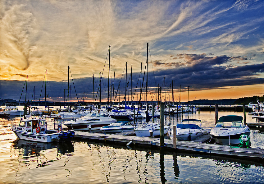 Sunset over the Hudson River, viewed from a marina at Ossining, New York