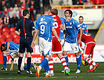 Aberdeen v St Johnstone...03.10.15   SPFL   Pittodrie, Aberdeen<br /> Simon Lappin argues with ref Alan Muir<br /> Picture by Graeme Hart.<br /> Copyright Perthshire Picture Agency<br /> Tel: 01738 623350  Mobile: 07990 594431
