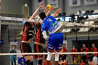 27-02-2021: Volleybal: Amysoft Lycurgus v Computerplan VCN: Groningen smash Lycurgus speler Jerome Cross