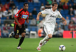 Real Madrid's Rafael van der Vaart against Mallorca's Cleber Santana during La Liga match. May 24, 2009. (ALTERPHOTOS/Alvaro Hernandez)