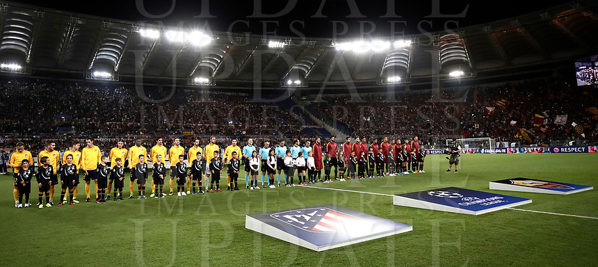 Football Soccer: UEFA Champions League AS Roma vs Atletico Madrid Stadio Olimpico Rome, Italy, September 12, 2017. <br /> Atletico Madrid and AS Roma teams line up prior to the start of the Uefa Champions League football soccer match between AS Roma and Atletico Madrid at at Rome's Olympic stadium, September 12, 2017.<br /> UPDATE IMAGES PRESS/Isabella Bonotto