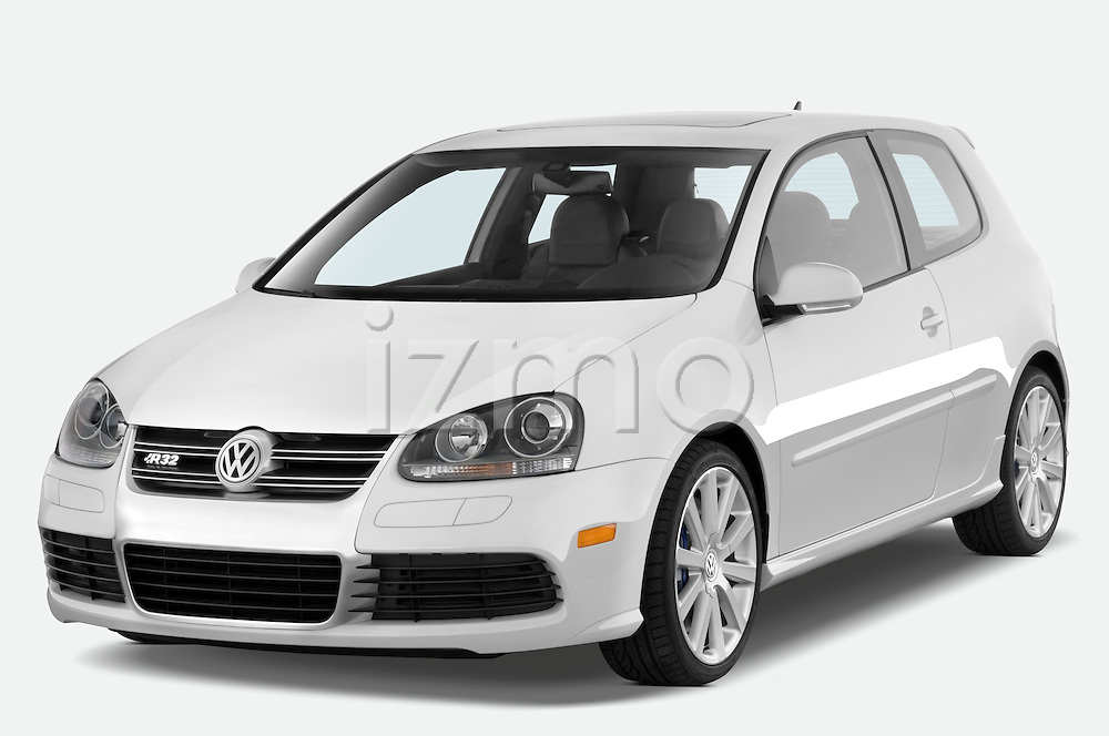 Front three quarter view of a 2008 Volkswagen r32.