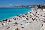 France, Provence-Alpes-Côte d'Azur, Nice: View over beach | Frankreich, Provence-Alpes-Côte d'Azur, Nizza: Strand an der Promenade des Anglais