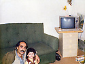 Iraq 1988 .In Bergalou, Lasik, 4 years old, daughter of Pakchan Hafid, with Farid Asaserd.Irak 1988.A Bergalou, Lasik, 4 ans, fille de Pakchan avec Farid Asaserd