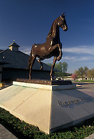 AJ4192, Lexington, Kentucky Horse Park, Kentucky, Statue of Supreme Sultan at Kentucky Horse Park in Lexington in the state of Kentucky.