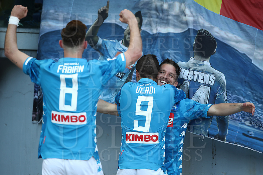 Football, Serie A: AS Roma - SSC Napoli, Olympic stadium, Rome, March 31, 2019. <br /> Napoli's Dries Mertens (r) celebrates after scoring with his teammates Simone Verdi (c) and Fabian Ruiz (l) during the Italian Serie A football match between Roma and Napoli at Olympic stadium in Rome, on March 31, 2019.<br /> UPDATE IMAGES PRESS/Isabella Bonotto