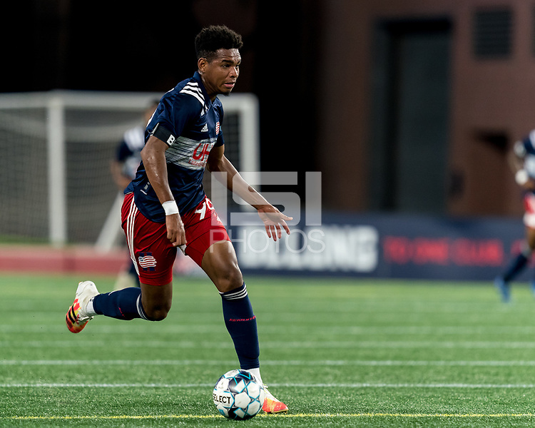 FOXBOROUGH, MA - SEPTEMBER 09: Orlando Sinclair #99 of New England Revolution II looks to pass during a game between Chattanooga Red Wolves SC and New England Revolution II at Gillette Stadium on September 09, 2020 in Foxborough, Massachusetts.