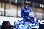 Verizon IndyCar Series<br /> Indianapolis 500 Qualifying<br /> Indianapolis Motor Speedway, Indianapolis, IN USA<br /> Monday 22 May 2017<br /> Scott Dixon, Chip Ganassi Racing Teams Honda poses for front row photos<br /> World Copyright: Phillip Abbott<br /> LAT Images<br /> ref: Digital Image abbott_indyQ_0517_21435
