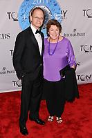 12 June 2011 - New York City, NY - David Hyde Pierce, Helen Reddy.  The 2011 Tony Awards held at The Beacon Theater. Photo Credit: Christopher Smith/AdMedia