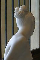 Francia - Parigi - museo del  Louvre - lorenzo Bartolini (Savignano 1777 Firenze 1850) La ninfa dello scorpione  statua in marmo commissionata dal principe Carlo di Beauvau , presente nel Salone del 1845