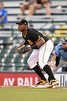 Bradenton Marauders first baseman Edwin Espinal (14) waits for a throw during a game against the Charlotte Stone Crabs on April 20, 2015 at McKechnie Field in Bradenton, Florida.  Charlotte defeated Bradenton 6-2.  (Mike Janes/Four Seam Images)