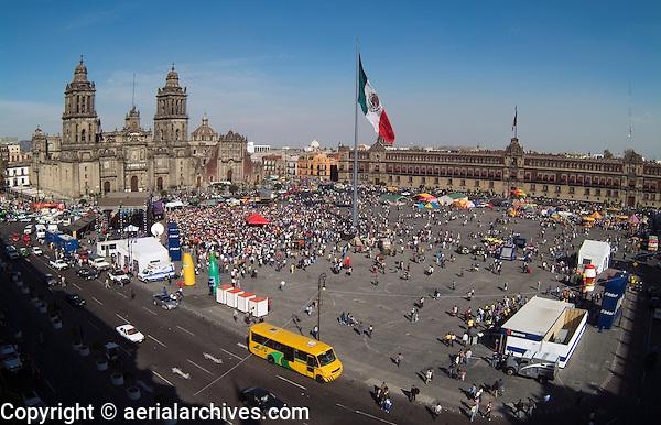 aerial photograph of the Zocalo, Mexico City | fotografía aérea del Zócalo, Ciudad de México