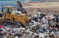 Discarica Cerro Maggiore, compattazione rifiuti