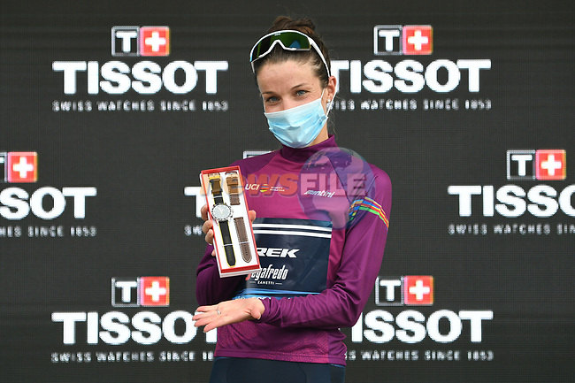 Elizabeth Deignan (GBR) Trek-Segafredo wins La Course By Le Tour de France 2020 and now leads the Women's World Tour, running 96km from Nice to Nice, France. 29th August 2020.<br /> Picture: ASO/Alex Broadway | Cyclefile<br /> All photos usage must carry mandatory copyright credit (© Cyclefile | ASO/Alex Broadway)