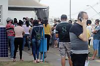 Campinas (SP), 11/09/2021 - Vacina Covid-19 - Movimentação no CS Oziel, no Parque Oziel. A secretaria de Saúde de Campinas (SP) realiza neste sábado (11) o quarto 'Dia D' de aplicação da segunda dose da vacina contra a covid-19.<br /> A expectativa é vacinar as mais de 28,9 mil pessoas que estão agendadas para completar a imunização hoje. A vacinação acontecerá das 8h às 17h em 64 centros de saúde.