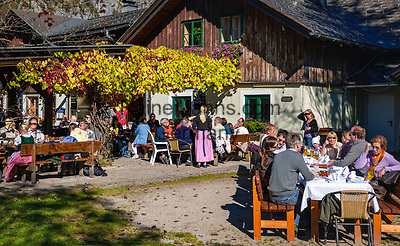 Oesterreich, Steyrisches Salzkammergut, Goessl am Grundlsee: Gasthof, Restaurant am See   Austria, Styrian Salzkammergut, Goessl at Grundl Lake: inn, restaurant