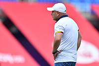 CALI – COLOMBIA, 20-11-2020: Giovanny Ruíz técnico del Pasto gesticula durante partido por la Fecha 6 de la Liga Femenina BetPlay DIMAYOR 2020 entre América de Cali y Deportivo Pasto jugado en el estadio Pascual Guerrero de la ciudad de Cali. / Giovanny Ruiz coach of Pasto gestures during match for the date 6 as part of Women's BetPlay DIMAYOR League 2020 between America de Cali and Deportivo Pasto played at Pascual Guerrero stadium in Cali city. Photos: VizzorImage / Nelson Rios / Cont /.