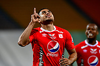 MEDELLIN-COLOMBIA, 18-10-2020: Carlos Sierra de America de Cali, celebra el segundo gol anotado a Atletico Nacional, durante partido de la fecha 15 entre Atletico Nacional y America de Cali, por la Liga BetPLay DIMAYOR 2020, jugado en el estadio Atanasio Girardot de la ciudad de Medellin. / Carlos Sierra of America de Cali, celebrates the second scored goal to Atletico Nacional, during a match of the 15th date between Atletico Nacional and America de Cali, for the BetPLay DIMAYOR League 2020 played at the Atanasio Girardot Stadium in Medellin city. / Photo: VizzorImage / Luis Benavides / Cont.
