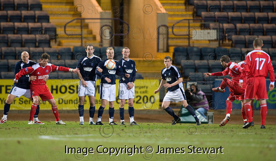 23/03/2010 Copyright  Pic : James Stewart.sct_jspa11_dundee_v_qots  .::  BOB HARRIS SCORES THE EQUALISER  ::  .James Stewart Photography 19 Carronlea Drive, Falkirk. FK2 8DN      Vat Reg No. 607 6932 25.Telephone      : +44 (0)1324 570291 .Mobile              : +44 (0)7721 416997.E-mail  :  jim@jspa.co.uk.If you require further information then contact Jim Stewart on any of the numbers above.........